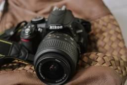 Nikon D3100 + Lente AF-S 18-55mm