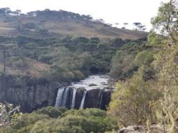 Belíssimo Terreno com Cachoeira em Urupema