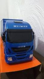 Título do anúncio: Miniatura caminhão Iveco