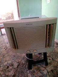 Ar-condicionado Eletrolux