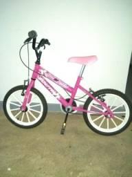 Bicicleta infantil de menina