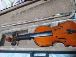 Violino na caixa + espaleira na caixa nunca usados.
