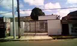 Prédio empresarial com 1.200 m2, na Av. Mangueirão