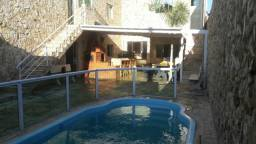 Linda casa com piscina em Itaquaquecetuba