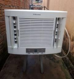 Vendo ar condicionado Electrolux  de 10.000 BTU