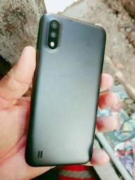 Vendo ou troco Samsung A01 32gb zerado não possui nenhuma marca de uso