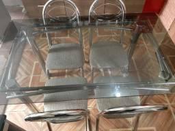 Mesa de vidro 4 lugares ac Cartões entrego