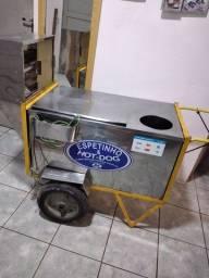 Vendo carroça de cachorro quente com churrasqueira e 12 bancos.