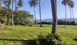 Itapuã terreno em frente a praia