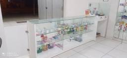 Vendo Balcão de vidro temperado, espelhos e pratileiras de vidro!