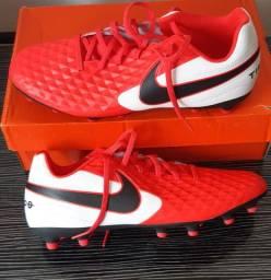 Vendo Chuteira Nike Tiempo n 42