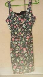 Vestido Pull & Bear estampa floral tamanho M