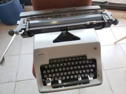 Máquina de escrever Olympia Mônica branca Alemã datilografia importada