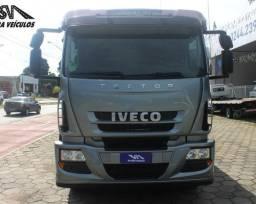 Caminhão Tector 240 Iveco 2014