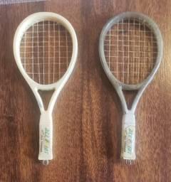 2 Miniaturas de Raquetes de Tênis