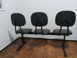 Título do anúncio: Cadeira longarina para escrotorio