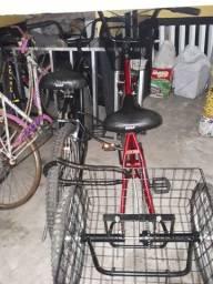 Biclicleta Triciclo Vermelha e Normal aro 26