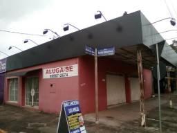 Aluga-se prédio comercial de esquina em Ijuí