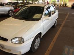 Corsa sedan original a álcool - 2001