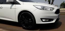 Ford Focus Sedan ano 2017/2018 fastback-se Powershift Valor R$ 62.000,00 - 2017