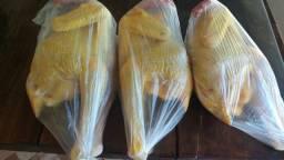 Vendo frango caipira limpo a 40,00 a unidade
