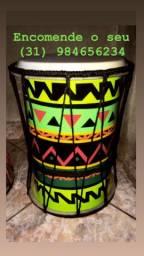 Tambores ilú artesanais
