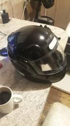 Kit chuva e capacete menos de 1 mes de uso