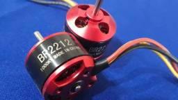 Motores Bruslerss (4 pcs) BR2212 para aeromodelos e drones
