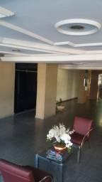 Alugo 3 quartos + 1 de serviço, 125 m², no Setor Central