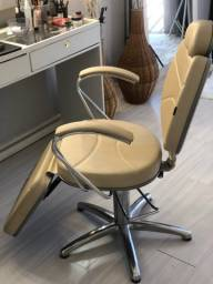 Cadeira para maquiadora e micropigmebtadora