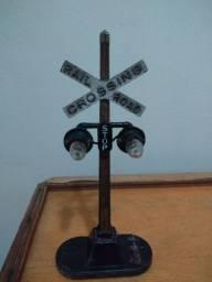 Sinal de ferrovia ferromodelismo antigo