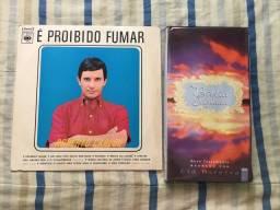 Relíquias: disco do Roberto Carlos/fitas da Bíblia sagrada.