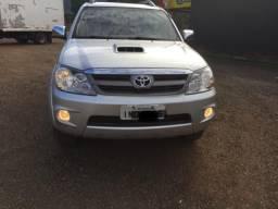 Toyota Hilux SW4 impecável - 2006