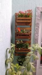 Floreira / horta suspensa