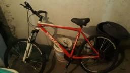Vendo bike top leiam a descrição