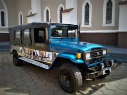 Jeep Toyota Bandeirantes 06 portas - Tração 4x4
