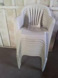 Título do anúncio: 11 Cadeiras d plastico