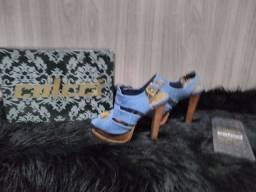 Sandália plataforma Colcci original