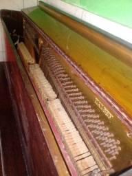 Título do anúncio:  Piano alemão marca Halben