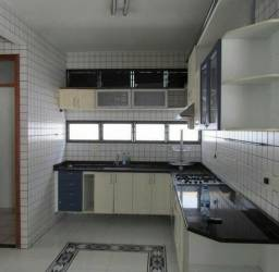 Alugo com sala para 2 ambientes, toda em porcelanato