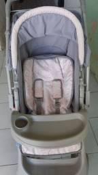 Carrinho de bebê feminino