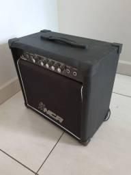 Cubo Amplificador P/ Guitarra Thunder 15w Distorção Out Nca
