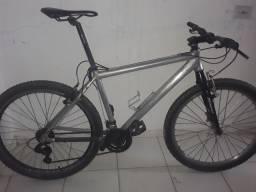 """Título do anúncio: Bicicleta MTB aro 26"""" em perfeito estado peças novas e revisada"""