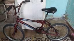 Título do anúncio: Bicicleta aro 20 masculino em bom estado 200 reais