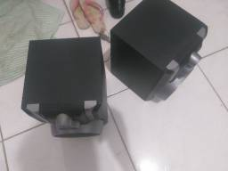 Vendo duas caixas de som Toshiba..