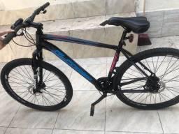 Vendo bicicleta e equipamentos