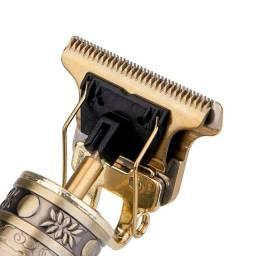 Máquina de aparar barba/ Cortar o cabelo