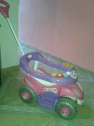Vende-se carro de criança