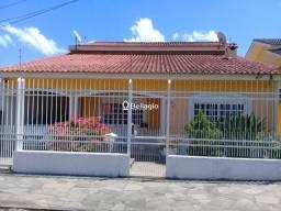Casa 4 dormitórios, com salão de festas e piscina