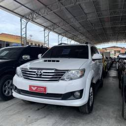 Hilux SW4 7 lugares 2012